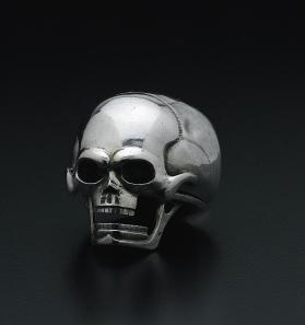 Skull Form Watch