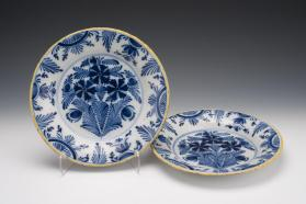 Plates (Set of Two)