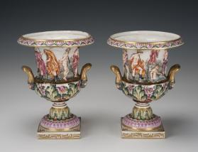 Urns (Set of Two)